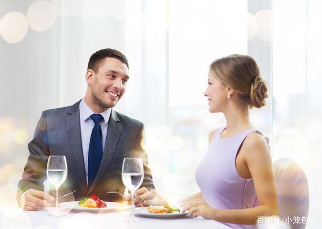 女子相亲带23人蹭饭吃掉近2万,男子没付钱就跑了,网友:干得漂亮