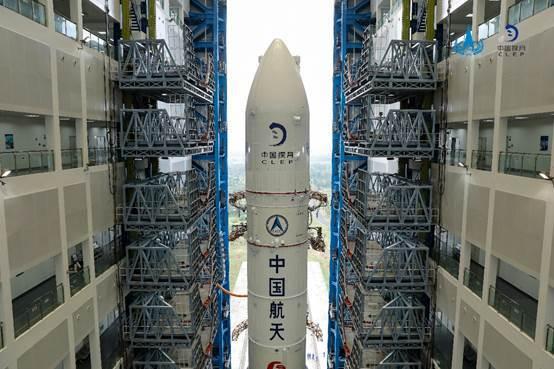 """长征五号目前我国运载能力最大的火箭,可以说是名副其实的""""大力士""""。"""